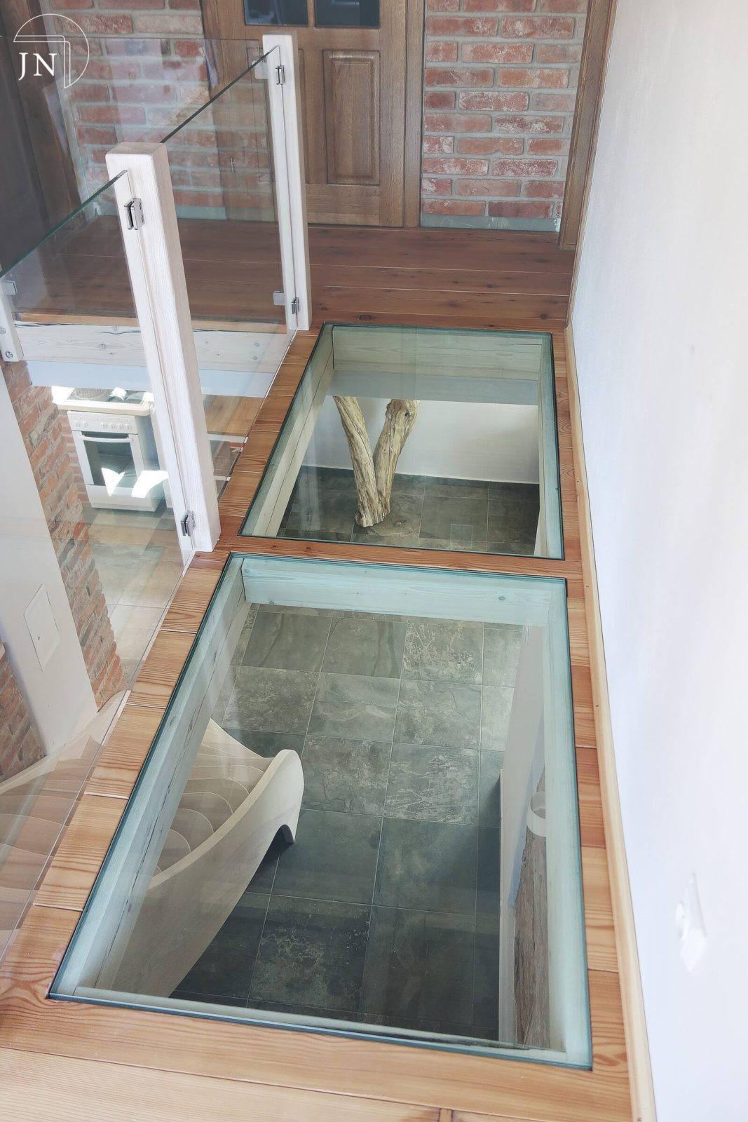 Pochozí sklo a moderní rekonstrukce domu v Libštátě